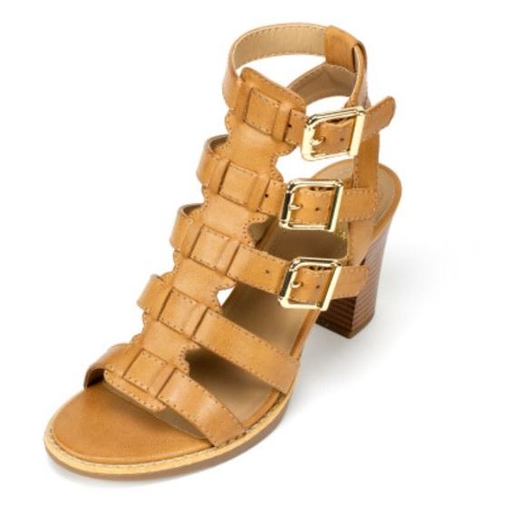 7f6d8c63a2b White Mountain Gemmy Sandals. M 5b3d338baa8770bbf14d3e40